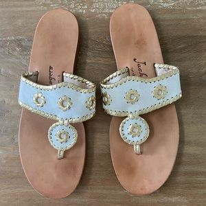 JACK ROGERS WHITE AND GOLD FLIP FLOP/SANDALS